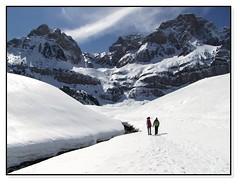 ntima charla (Sigurd66) Tags: schnee espaa snow spain huesca nieve sneeuw neve aragon neige espagne pyrenees neu osca pirineos tena altogallego valledetena uesca piedrafitadejaca absolutelystunningscapes ibondepiedrafita