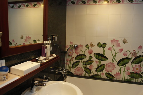Maharajas' Express Luxury Train (India) - bathroom detail