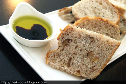 Trio of Bread with Olive Oil Dip
