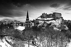 Edinburgh In Ermine (sparky2000) Tags: city winter blackandwhite snow castle church monochrome scotland edinburgh europe cityscape edinburghcastle capital scottish castlehill castlerock capitalcity edinburghskyline sparky2000 5dmkii stuartreynolds stuartrobertsonreynolds robersonreynoldsphotography