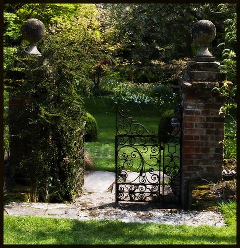 Heale Gardens Iron Gate - Copyright R.Weal 2011