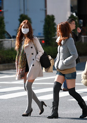 People in Shibuya - (Day 21 Holiday 2011) (Matthew Kenwrick) Tags: sexy japan shibuya fashion crossing scramblecrossing hot cold spring tokyo canon 70200mmf4 leggings socks mask street boots culture style women girls babes hotties brunette