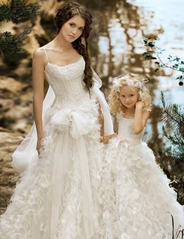 Dune-dress-with-spaghetti-straps-and-ruffled-skirt-and-matching-flower-girl-dress