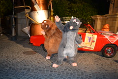 "Meeting Remy and Emile at Disney's Dine with the PIXAR Stars (Castles, Capes & Clones) Tags: paris france disney pixar remy emile ratatouille waltdisneystudios disneycharacters paris"" toonstudios ""disneyland toystoryplayland disneysdinewiththepixarstars ""marnelavallée"""