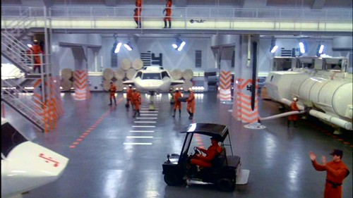 V La Miniserie - Hangar Nave Nodriza (3)