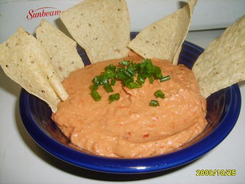 Smoky Chipolte-Pinto Hummus