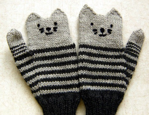 Kitten Mittens.1
