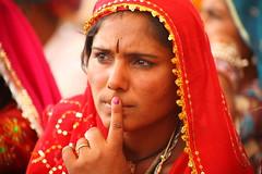 Puzzled (Hema Narayanan) Tags: pushkar rajasthan camelfair thardesert pushkarcattlefair pushkarfair2009 pushkarfestivalof2009 cattlefairatpushkar