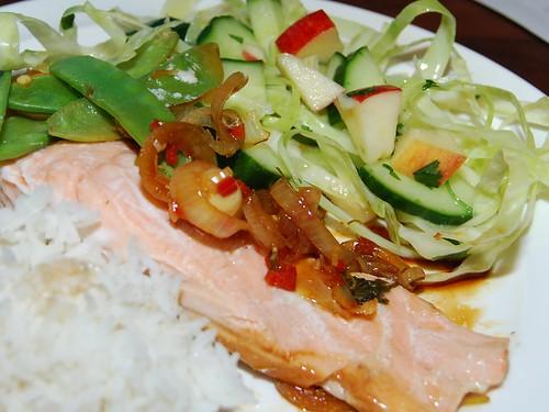 Thailax med sallad och ris