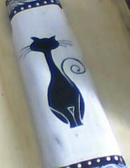 """Arte em telhas """" gato.... (A cor do acaso) Tags: artesanato lindo gato coruja mascara decora decoração acrilico telha africanas"""