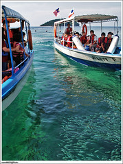 Manukan Island - Boats, Sea and Fish (sam4605) Tags: travel sea holiday tourism ed island boat laut olympus tourist malaysia borneo kotakinabalu sabah pulau kota kinabalu pantai bot manukan manukanisland zd tunkuabdulrahmanpark sabahborneo 1442mm pelancong tamantamansabah cuticuti1malaysia fishikan