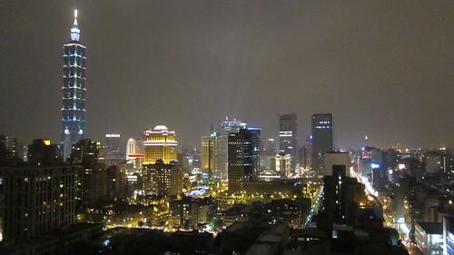 倒數前的101與台北市夜景