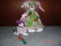 Dona Coelha e sua filhotinha (Rita Rocha2008) Tags: handmade pscoa feltro patchwork coelhinha