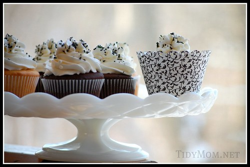 Black and White Cupcakes by Tidy Mom