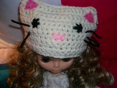 May May is here!!! (Mooy) Tags: white hat doll crochet may kitty blythe sta savetheanimals mooeyandfriends