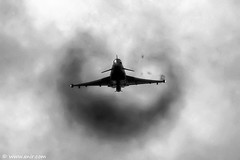 RAF Typhoon RIAT 2009 (xnir) Tags: uk england tattoo canon photography eos israel is photographer force aviation air royal systems international eurofighter british f2 bae typhoon raf aerospace nir efa eap riat eads aeronautica  f2000 alenia 100400l benyosef 100400 ef2000 xnir  photoxnirgmailcom