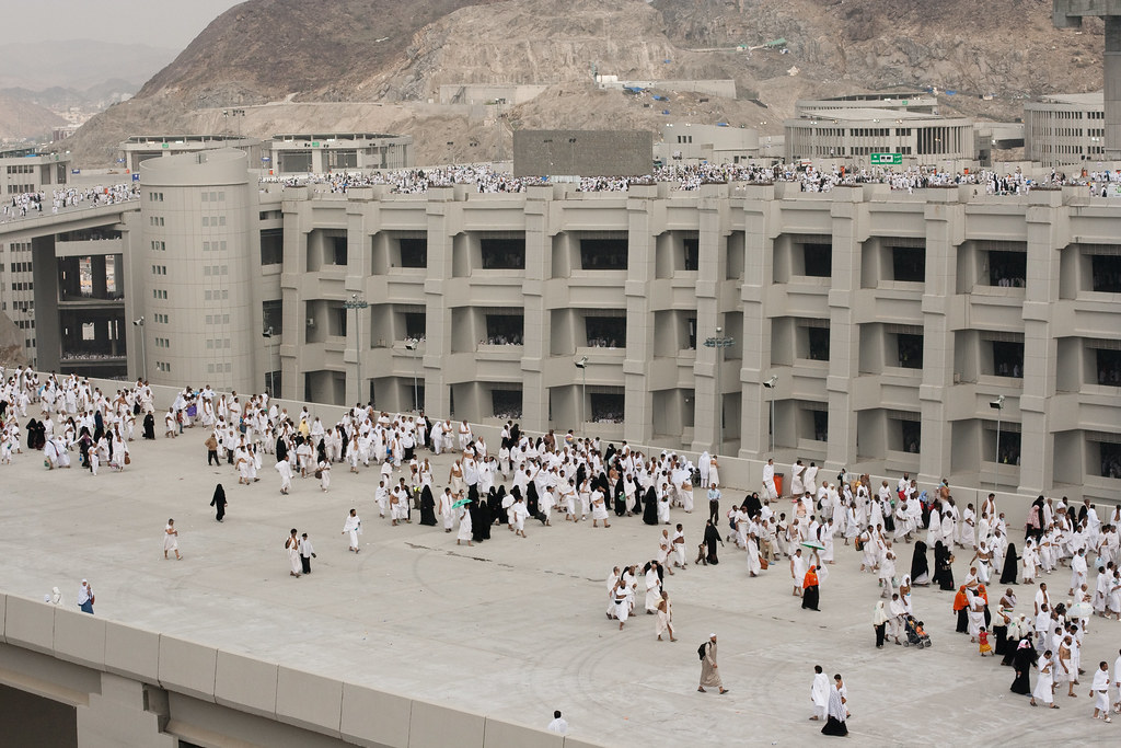 4304030468 d8c00610a5 b Hajj, Pilgrimage to Mecca when Millions Worship in Unison [49 Pics]