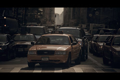 [The 6th serie] 5G62 (- Loomax -) Tags: street urban newyork cars daylight manhattan cinematic 6thavenue warmcolors cinemascope yellowcabs the6thserie