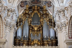 2010-02-25 Passau 053 Dom Sankt Stephan (Allie_Caulfield) Tags: city winter church st germany geotagged bayern deutschland bavaria photo highresolution flickr downtown foto stuck image dom picture kirche historic stefan hires cc organ german stephansdom jpg baroque bild jpeg geo altstadt stephan innenraum barock stucco orgel februar passau 2010 sankt stockphoto niederbayern passauer historische ortskern barockkirche bischofskirche mittelschiff dreiflüssestadt ostbayern batava barockorgel stuckierung