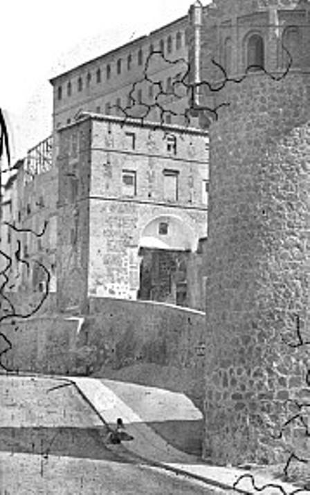 Puerta de Alarcones en el el siglo XIX. Fotografía de Casiano Alguacil (detalle)