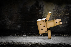 High Iso, hidden noise (Sprengstoff72) Tags: brown yellow stairs toy concrete actionfigure robot eyes amazon iso cardboard handstand highiso kaiyodo yotsuba danbo 12800 revoltech lownoise danboard flickrhivemind miurahayasaka movablejoints amazonmini