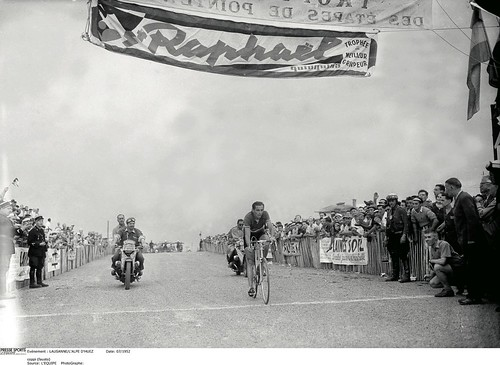 Fausto Coppi, the first winner on Alpe d'Huez, 1952. The Pyrenees made their Tour debut in 1910, with the high Alps following a year later. Photo:Offside/L'Equipe