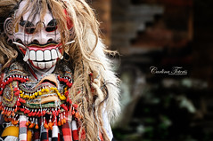 If this guy doesn't scare the bejeezus out of your kids, I don't know what will (cteteris) Tags: bali monster kids indonesia dance costume scary teeth evil balinesedance 70300mmvr nikond300 celuluk abangan