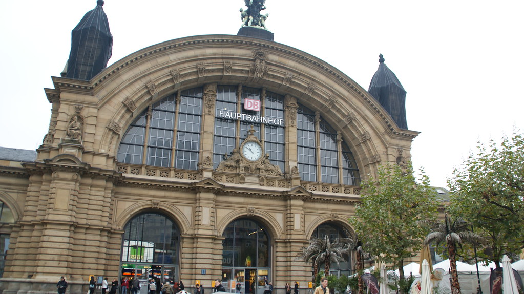 frankfurt hbf entrance的圖片搜尋結果