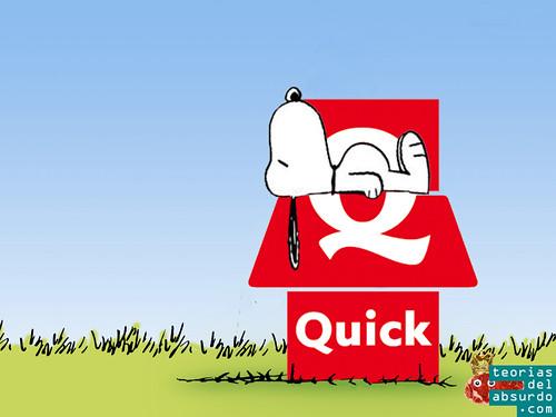fusion del logotipo de quick burguer con snoopy tumbado en el tejado de su caseta roja