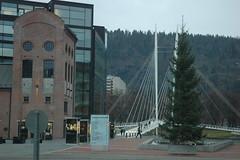 Ypsilonbrua i Drammen fra Grnland (flutnace) Tags: city bridge by bro gangbro drammen ypsilon bragersen paprrbredden