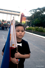 IMG_0991 (susancorpuz90) Tags: up child philippines philippineflag lanternparade universityofthephilippines susancorpuz lanternparade2009 uplanternparade2009