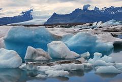 Jokulsarlon (Teatsche (dijkhuisphotography.com)) Tags: blue ice beach lava boat iceland great seal iceberg southcoast jokulsarlon vatnajokull gletsjer ijsland zuidkust ijsbergenmeer skewa jokulsrln gleacier