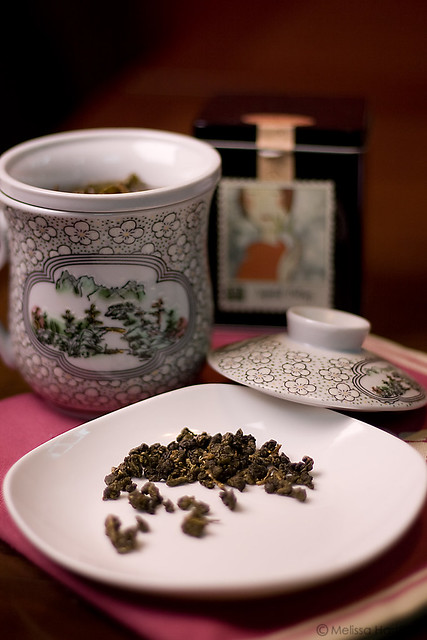Loose tea and hot tea in a cup