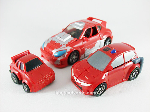 Transformers Cliffjumper Animated Activator vs G1 vs Classics - modo alterno