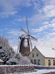 The famous mill in Someren (VillaRhapsody) Tags: blue winter vacation sky holiday snow cold holland mill dutch january nederland thenetherlands acg someren bigmomma korenmolen challengeyouwinner villarhapsody devictor beltmolen