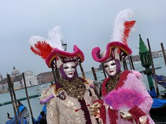 Carnival of Venice 2010 - Third day (Nemodus photos) Tags: carnival venice portrait france veneza de costume mask carnaval venetian venise venecia venezia italie masque 2010 carnavale venitien fz50 威尼斯 venetië venecija venetsia veneetsia carnavalvénitien венеция abigfave ヴェネツィア البندقية βενετία veneţia costumés венеція nemodus mascherevenezianedallagodicomo वेनेज़िया carnevaledivenezia2010 carnavaldevenise2010 venetianscarnival2010 венециякарнавал2010 karnevalvonvenedig2010 karnevaluveneciji2010