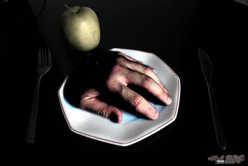 No metas las manos en la comida