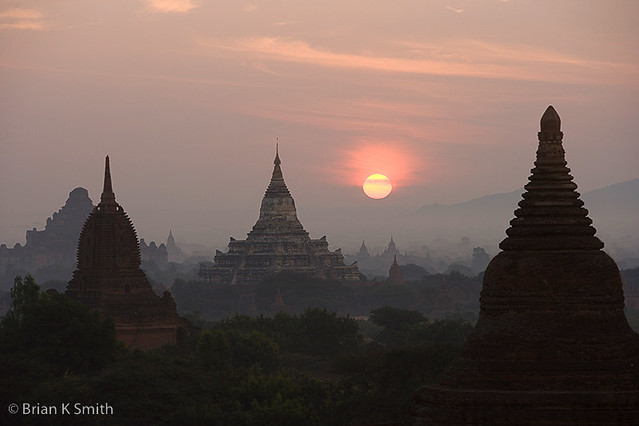 Stupa Sunrise, Bagan