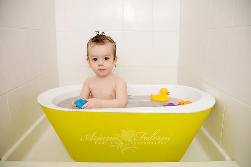 hoppop toddler tub giveaway becoming mom mommy tips. Black Bedroom Furniture Sets. Home Design Ideas