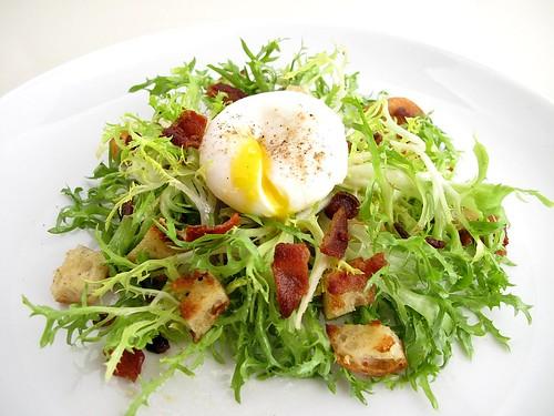 Традиционные блюда Лиона - salade lyonnaise