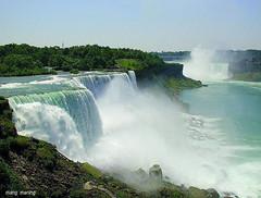 Niagara Falls (mang M) Tags: niagarafalls niagara waterfalls prospectpoint horseshoefalls niagaraontario maidofthemistboattour niagaranewyork mangmaning2000 mangm