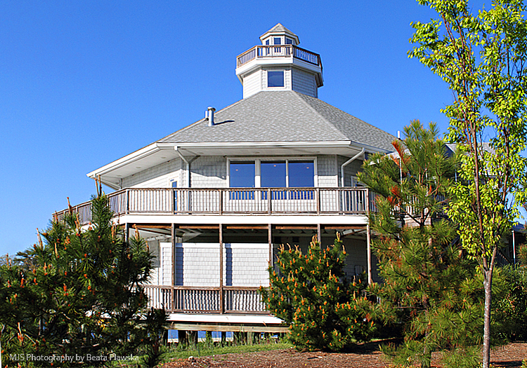 Lighthouse on the Cove, Virginia Beach