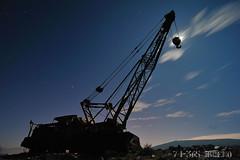 Encondiendome de la Linterna (isaacbuenobadiola) Tags: sky night contraluz jones nikon luna tokina cielo nubes estrellas nocturna fotografia grua gruas gancho fotografianocturna d700 nikond700