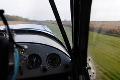 C-FHPP Aeronca Champion 7ACX & St-Mathias CSP5 piste 14 runway DSC_8266m (djipibi) Tags: airport 14 champion runway 2009 piste aeronca aroport stmathias hydrobase 7ac csp5 7acx cfhpp cubtoberfest csv9
