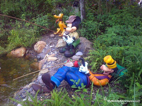102320091305-WDW-DAK-Goofy-Pluto-Mickey-Mouse-Fishing