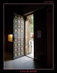 Porta de sortida (Praga) (Ferranet) Tags: door church de puerta iglesia praha praga olympus porta sortida vyehrad esglesia e510
