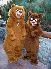 Kenai and Koda at Redwood Creek Challenge Trail (Loren Javier) Tags: me disneyland kenai californiaadventure goldenstate disneycharacters koda brotherbear redwoodcreekchallengetrail disneylandcharacters disneylandcastmembers grizzlypeakrecreationarea lorenjavier