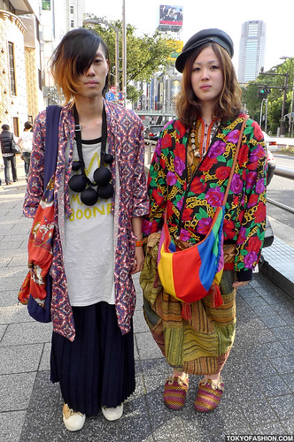 Very Colorful Japanese Fashion by tokyofashion.
