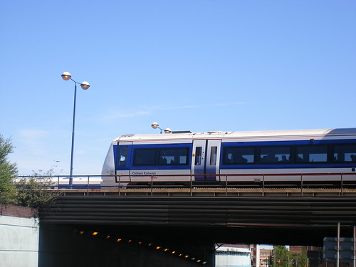 Chiltern Train pulling out of Snow Hill Station