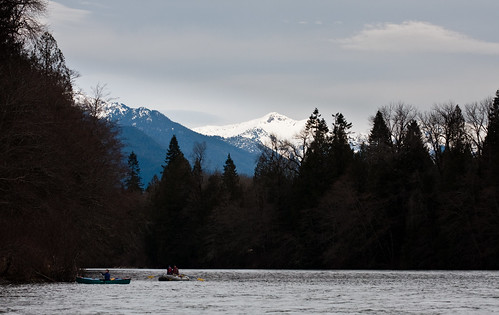 Rafting (and canoeing) the Skagit